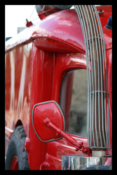 vieuxcamionpompier52.jpg